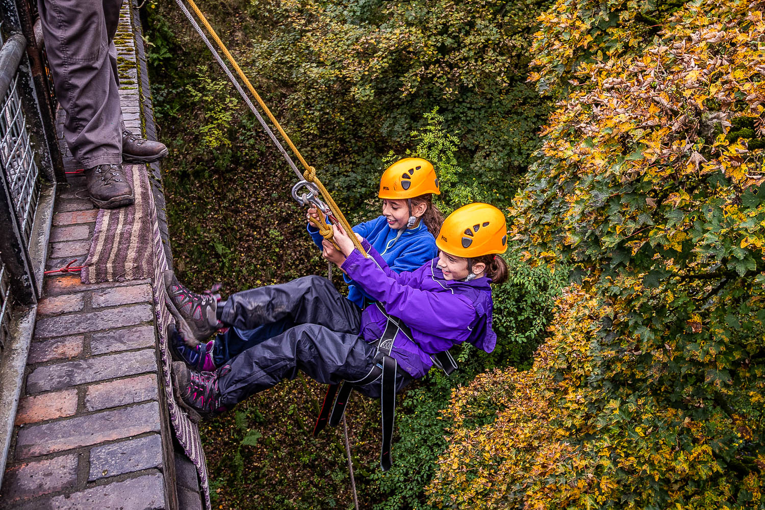 peak centre activity abseil 0834 1500 72